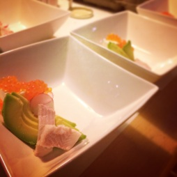 ensemble van paling, avocado en zalmkaviaar Tinto